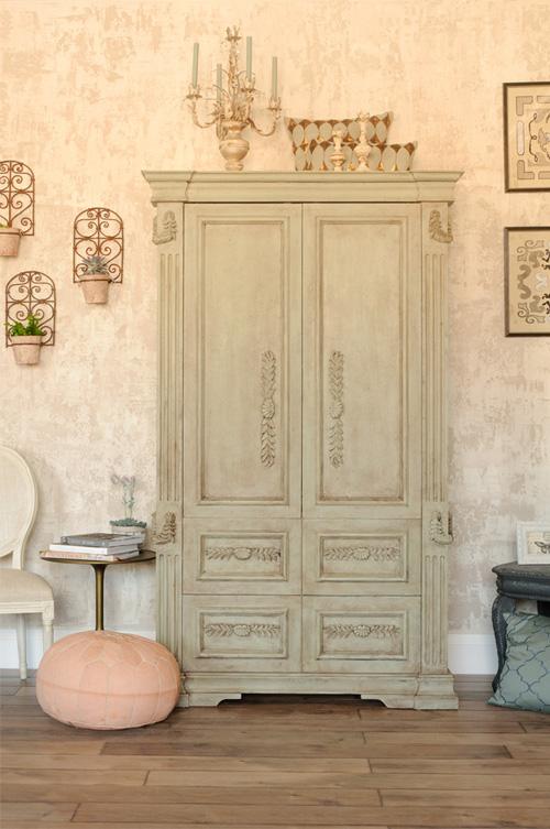 fresco-closet